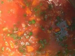 टोमॅटोचा रस घाला