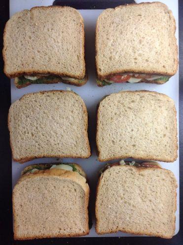 तयार सँडविचेस